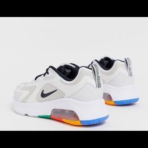 Nike Air Max 200 sneakers in gray